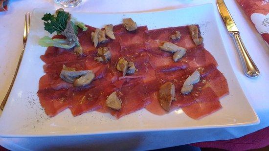 Prato alla Drava, Italy: Carpaccio di cervo con funghi