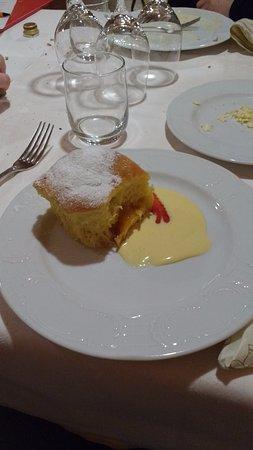 Prato alla Drava, Italy: Buchteln (dolce)