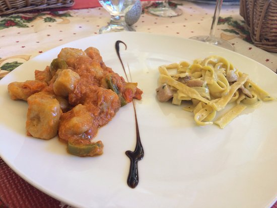 Spezzano della Sila, Italia: Gnocchi alla 'nduja e peperoni saltati, tagliatelle ai funghi porcini.. una delizia!!!