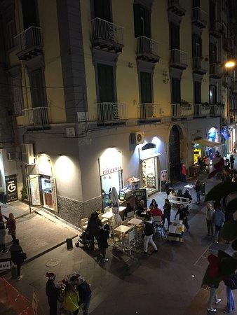 La Residenza Napoli Short Lets Apartments : Vista dal balcone