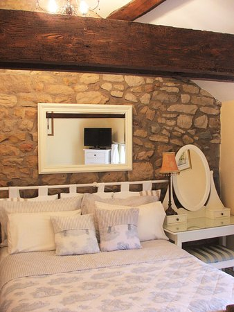 Brunthill House Bed and Breakfast: The kingsize Barn Room with private bathroom