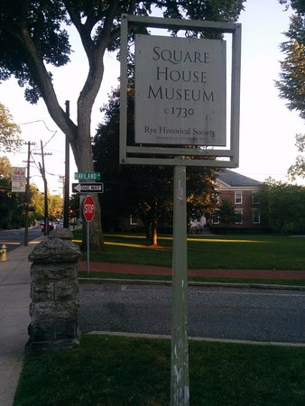 Square House Museum: Located at the south end of Purchase street