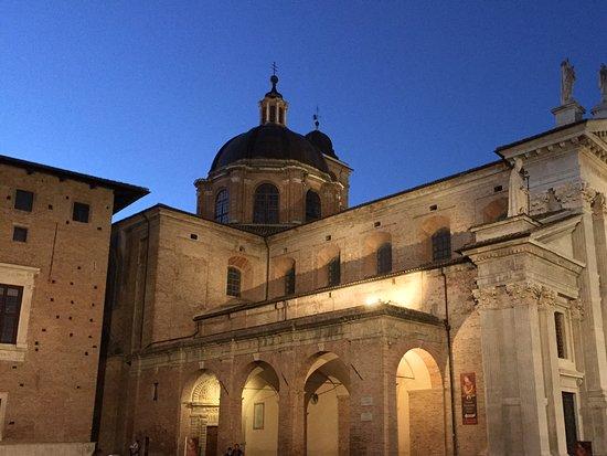 Monte Grimano Terme, Italia: Urbino città d'arte molto vicina a noi