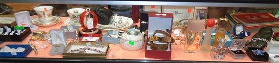 Gore St. Antique Market: GORE ST. ANTIQUE FLEA MARKET LANARK COUNTY, PERTH ONTARIO 45 booths, 50 vendors, 8500+ square fe