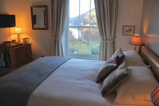 Llandogo, UK: Thistle room - a room with a view
