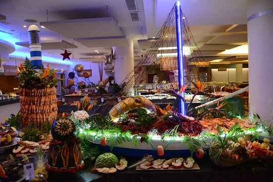 Bahia Feliz, Spain: New Year's Eve Gala buffet dinner 2016