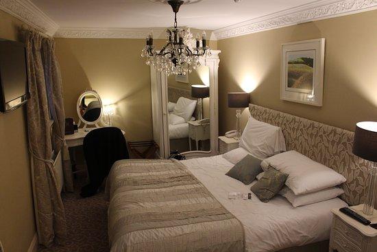 MacNean House & Restaurant: deluxe room