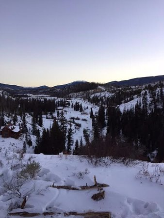 Parshall, Колорадо: Beautiful views of the valley from our snowmobiling trip
