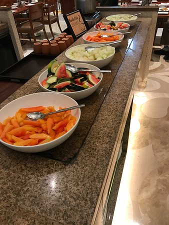 breakfast buffet - fruits