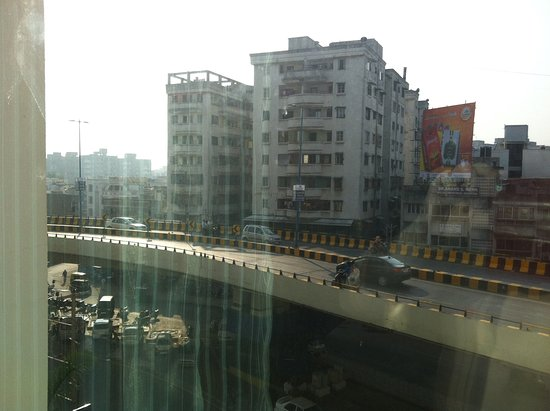 Four Points by Sheraton Vadodra: View of the flyover from our room.