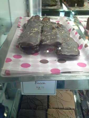 Manhattan Beach Creamery: Chocolate covered bacon... Mmmm bacon.
