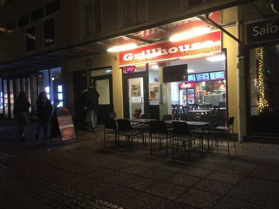 Τρολχάταν, Σουηδία: Grillhouse