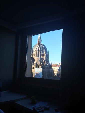 إيبيس وين مارياهيلف: A very nice view from my room