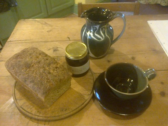 Lastingham, UK: homemade bread, blackcurrant jam and local pottery