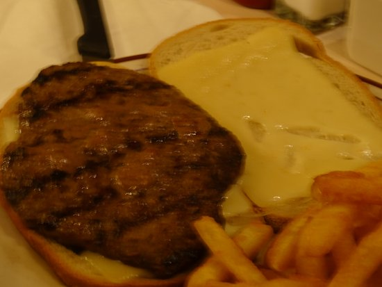 Barnegat, NJ : Someone ordered a cheeseburger - I got a bite and it was cooked perfectly & spiced just right !
