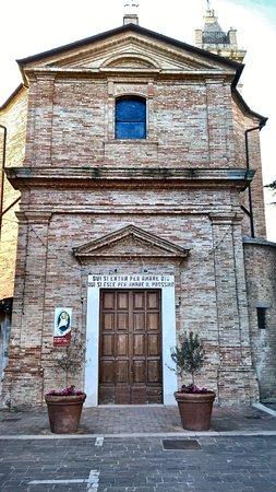 Chiesetta del borgo di Monterado a pochi passi dalla residenza.