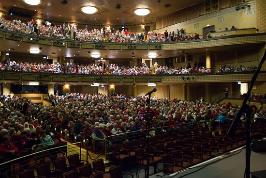 Altria Theater 2016 Chriatmas Packed House