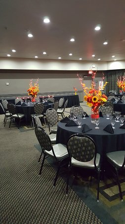 Best Western Premier Crown Chase Inn & Suites: Rehearsal Dinner for Wedding in Conference Room