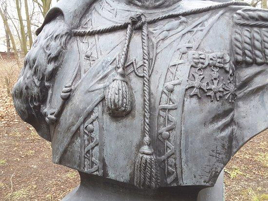 Statue of Jan Hipolit Kozietulski