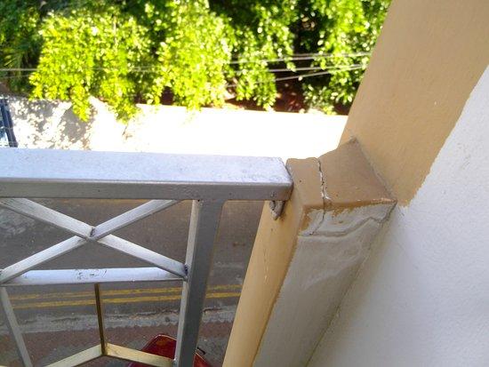Elysee Residence: how long will the balustrade ramain?