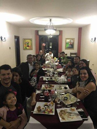 Hotel Real Camino Lenca: Una suculenta cena familiar
