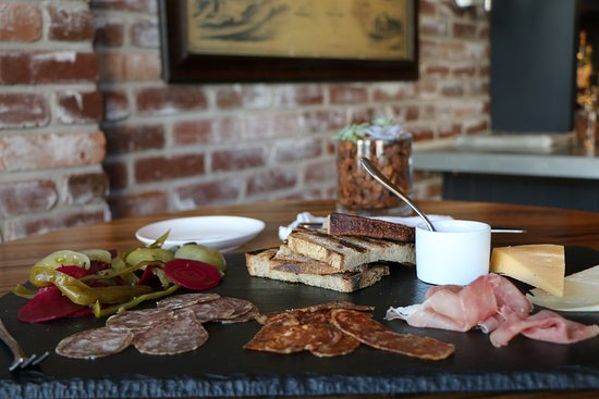 Greenwich, CT: Meat & Cheese