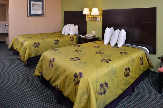 Pontotoc, MS: Two Double Beds