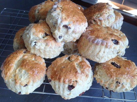 Hoggs Bistro: Freshly baked scones