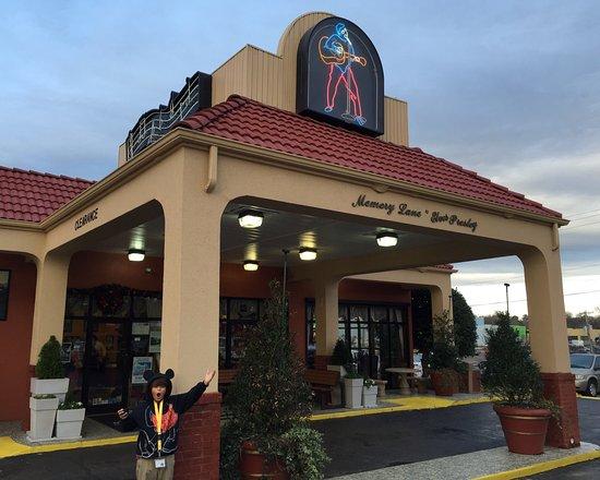 Days Inn Memphis at Graceland: photo3.jpg