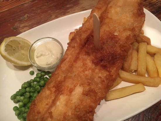 Wrotham, UK: fish and chips not as good as it looks