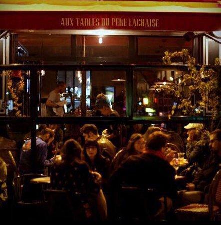 restaurant aux tables du p re lachaise dans paris avec cuisine autres cuisines. Black Bedroom Furniture Sets. Home Design Ideas