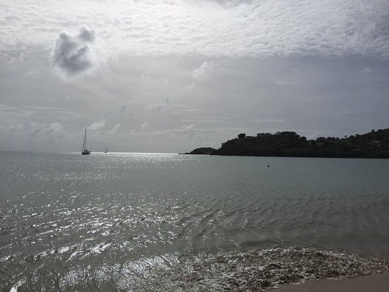 Carlisle Bay Antigua: Stunning Hotel, fantastic private beach and great restaurants! The view and private balcony from
