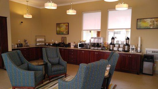 BEST WESTERN Paradise Inn of Nephi: Breakfast Area / Sitting Area