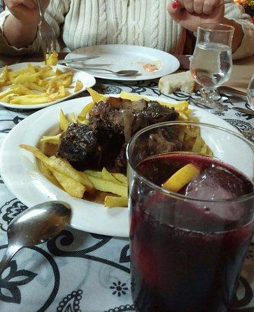 Provincia de Córdoba, España: Rabo de toro, tinto de verano