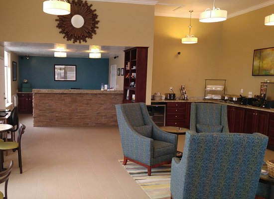 BEST WESTERN Paradise Inn of Nephi: Front Desk / Sitting Area