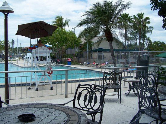 Cape Coral Yacht Club: View Of Pool From Patio Deck