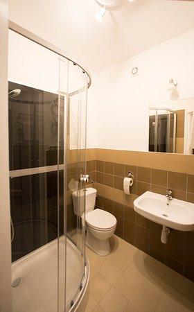 Wspólna łazienka Na Parterze Picture Of Hophop Hostel