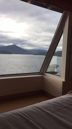 سول أراين هوتل آند سبا: Vista desde la cama! pero toda la ventana tiene la misma vista.