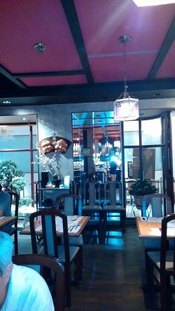takara restaurant japonais montreal centre ville. Black Bedroom Furniture Sets. Home Design Ideas