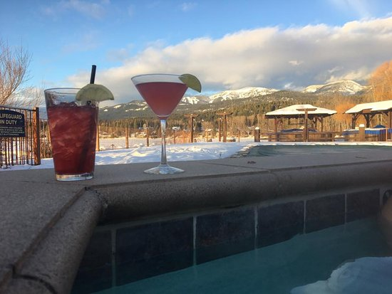 Lodge at Whitefish Lake: Huckleberry Cosmo and Old Boat Lemonade cocktails
