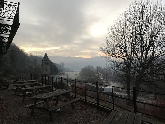 Ross-on-Wye, UK: We hired exclusively over New Year. With 37 of us (including 20 kids) the accommodation was good