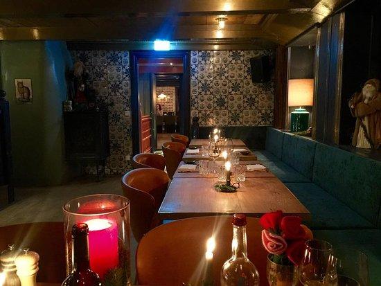 "Dorfkrug Bar & Grill: Dorfkrug Kampen ""Blaue Bar"""