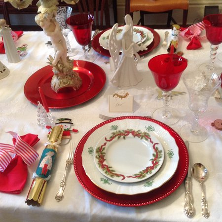Anniston, AL: Christmas table setting