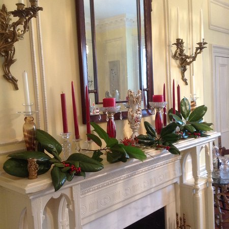 Anniston, AL: Dining Room mantel