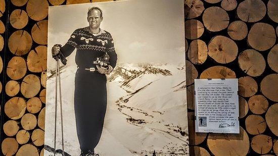 Sun Valley Visitor Center : Ski buffs will enjoy the Warren Miller photos & his hand written description