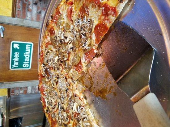 New York Pizza Department - N.Y.P.D.: 20170103_142107_large.jpg