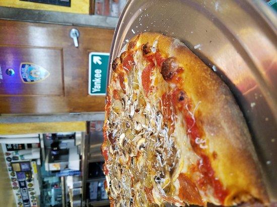 New York Pizza Department - N.Y.P.D.: 20170103_142134_large.jpg