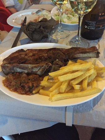 Periana, Spanien: Outstanding grilled meats
