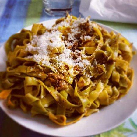 Montespertoli, Italy: Pizzeria Osteria I'Fico Lesso