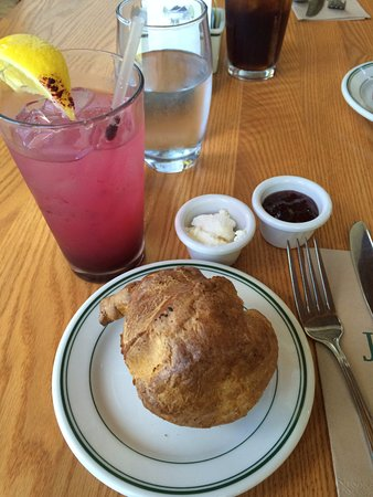 Harbor Seal, ME : Popover with Blueberry Lemonade - Delicious